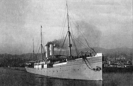 Un barco centenario en aguas de Sagunto